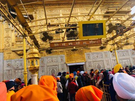 amritsar-orange-colored-turban