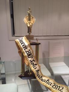 beth-trophy-lola-award