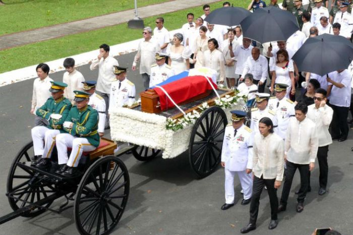 marcos-burial-bayani (1)