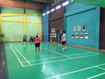 robert-tan-badminton-play