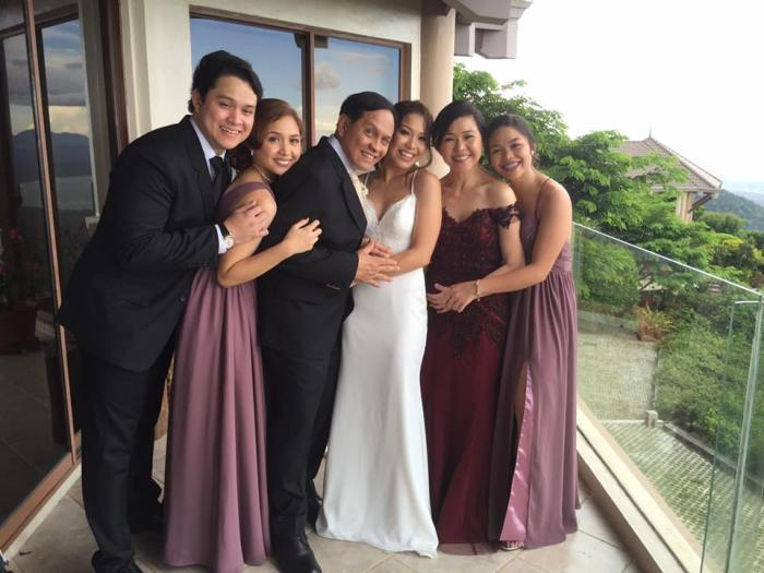 shane-vim-wedding-family-photo