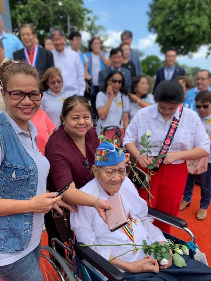yuldong-old-vet-wheelchair-pylon