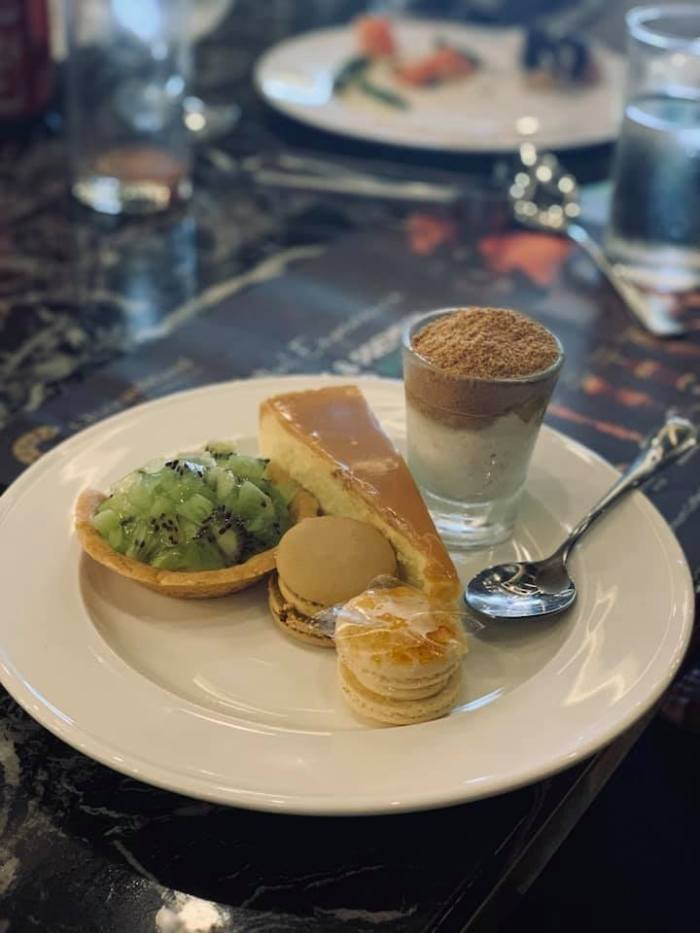 chateaubriand-dessert-plate